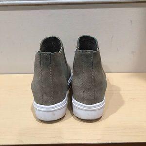c48acf04ba2f Steve Madden Shoes - Steve Madden Sultan Chelsea Wedge Taupe Sneaker